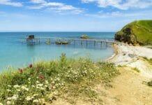 10 tipů na nejkrásnější pláže v Itálii, kde téměř nikdy nepotkáte davy turistů