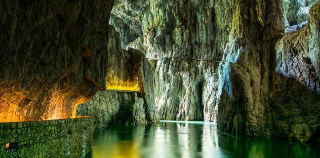 Tipy na nejkrásnější jeskyně Slovinska
